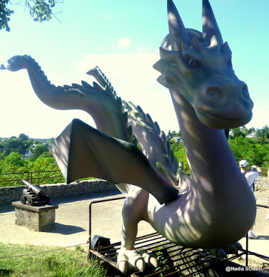 Dragons à Chinon
