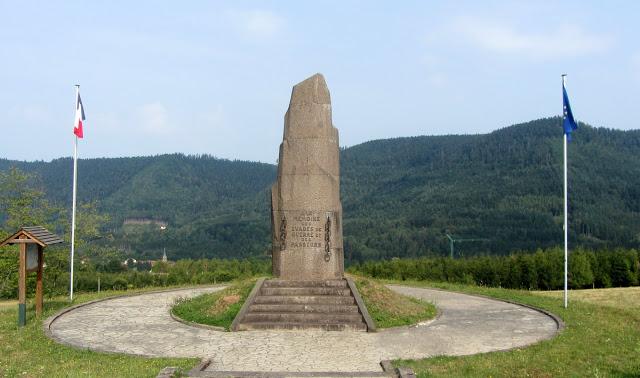 Monument en Mémoire des Evadés de Guerre et des Passeurs - Raon-sur-Plaine