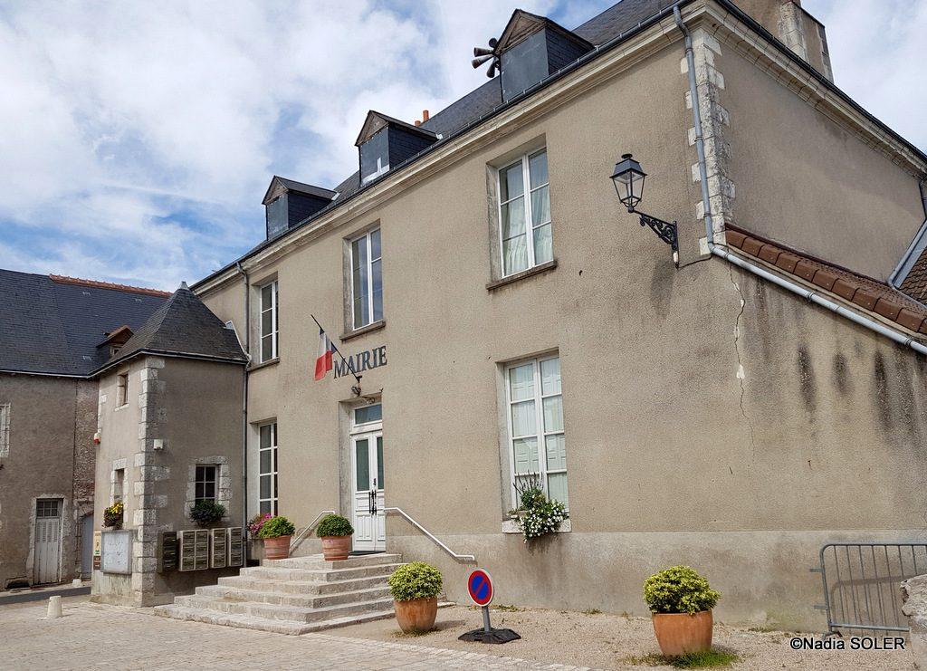 Saint-Dye-sur-Loire - Ancienne vinaigrerie devenue mairie