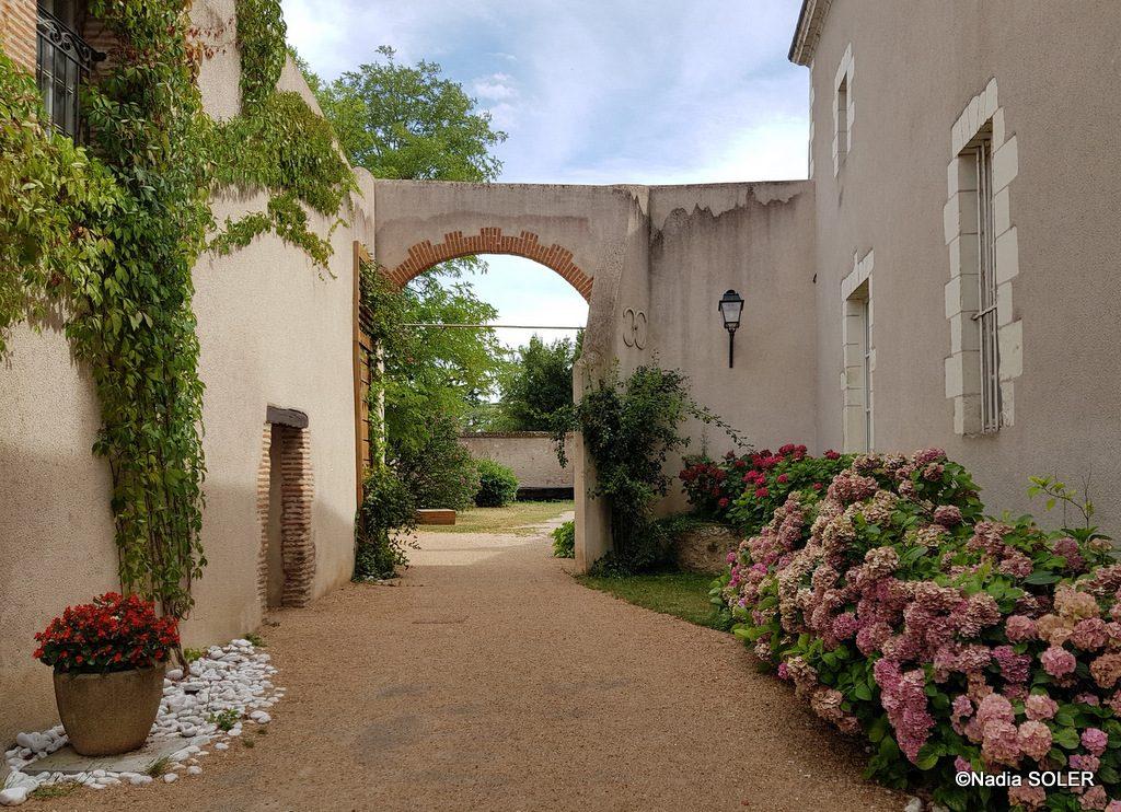 Saint-Dye-sur-Loire - en allant vers l'entrée de la Maison du Loir-et-Cher